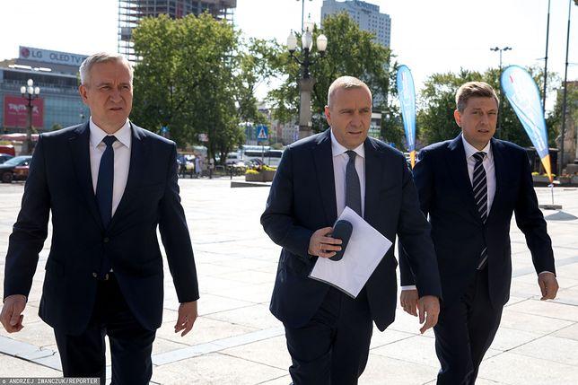 Robert Tyszkiewicz i Mariusz Witczak z szefem PO Grzegorzem Schetyną