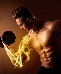 Trening bicepsów. Przykładowe ćwiczenia na mięsień dwugłowy ramienia