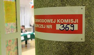 """Młodzi szturmują urzędy. """"Chcę wziąć odpowiedzialność za Polskę"""""""
