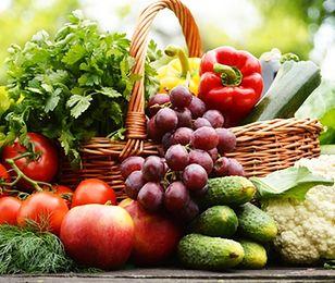 Pomidory zdrożały przed świętami. Ile trzeba płacić za nowalijki?