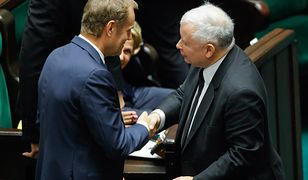 Donald Tusk i Jarosław Kaczyński po exposé premier Ewy Kopacz