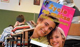 W napisanym przez księdza podręczniku do edukacji seksualnej znalazły się kontrowersyjne treści