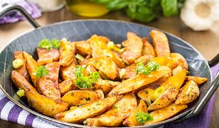 Pieczone ziemniaczki w ziołowej posypce. Pyszny dodatek do obiadu