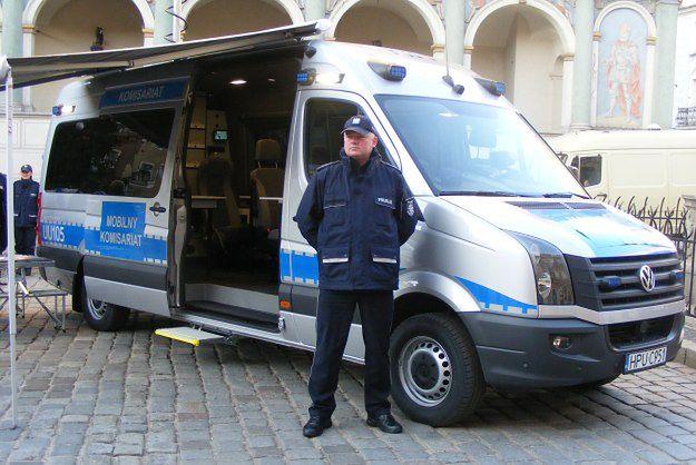 Mobilny komisariat policji ma poprawić bezpieczeństwo w centrum Poznania