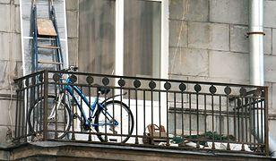 Polacy traktują swoje balkony jak rupieciarnię
