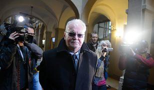 Seksuolog Lechosław Gapik w poznańskim sądzie w 2013 r.
