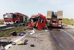 Kąty Wrocławskie. Zablokowana autostrada A4 po wypadku. Zderzenie tirów