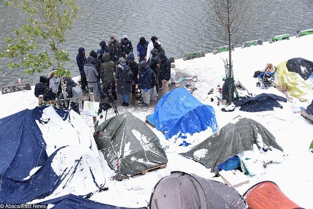 Wielu ankietowanych wyjaśniało, że ma przyjaciół i krewnych w Europie, którzy motywują ich do emigracji i wspierają finansowo