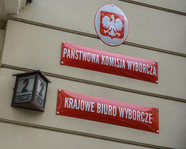 Państwowa Komisja Wyborcza podjęła uchwały ograniczające kompetencje szefowej KBW