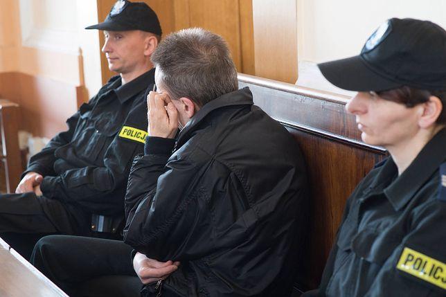 Andrzejowi W. za czyny seksualne przeciwko nieletnim, grozi 12 lat więzienia