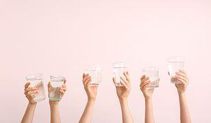 Pyszna dawka orzeźwienia. Odkryj smaczne sposoby na to, by pić więcej… wody
