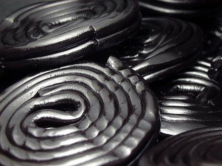 Lukrecja - czarne słodycze