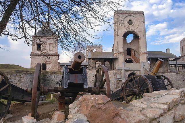 Magnacki warowny pałac zachwyca wciąż architekturą, mimo że pozostały jedynie ruiny