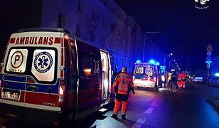 W akcji ratowniczej brało udział kilka jednostek pogotowia oraz pięć zastępów straży pożarnej