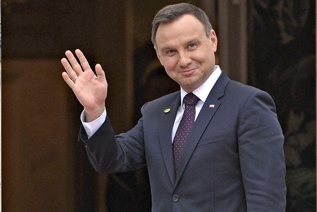 Ostre manifestacje przed Sejmem. Nie uwierzycie, gdzie w tym czasie przebywa Andrzej Duda