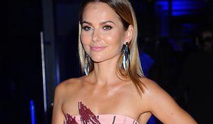 Paulina Sykut-Jeżyna w sukience w groszki. Ten model kosztuje poniżej 200 złotych