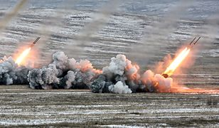Ćwiczenia rosyjskiej armii - wyrzutnie rakietowe TOS-1 w akcji