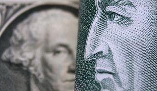 """Duże wahania dolara. """"Fed robi dobrą minę do złej gry"""""""