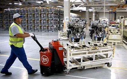 Praca w Polsce na coraz lepszych warunkach. Pracownicy zaczynają dochodzić do głosu