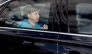 Angela Merkel w tarapatach. Wiatr w oczy i nóż w plecach