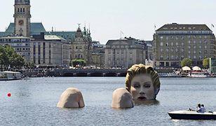 Syrena w jeziorze w Hamburgu