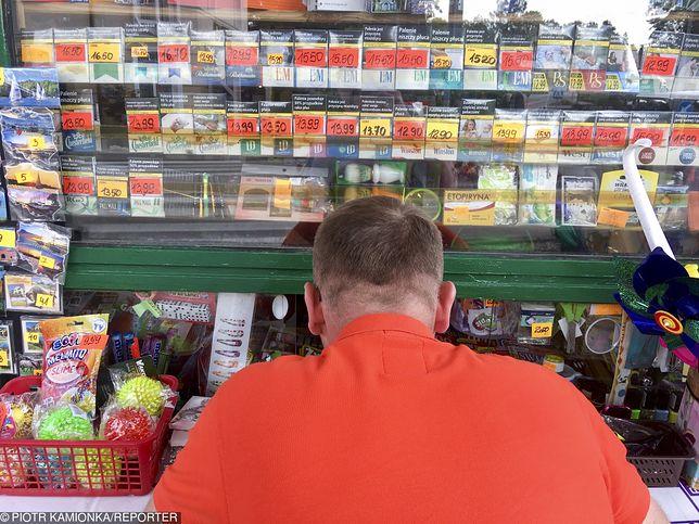Sklepy mogą wkrótce potrzebować licencji na sprzedaż papierosów. NIZP proponuje zmiany