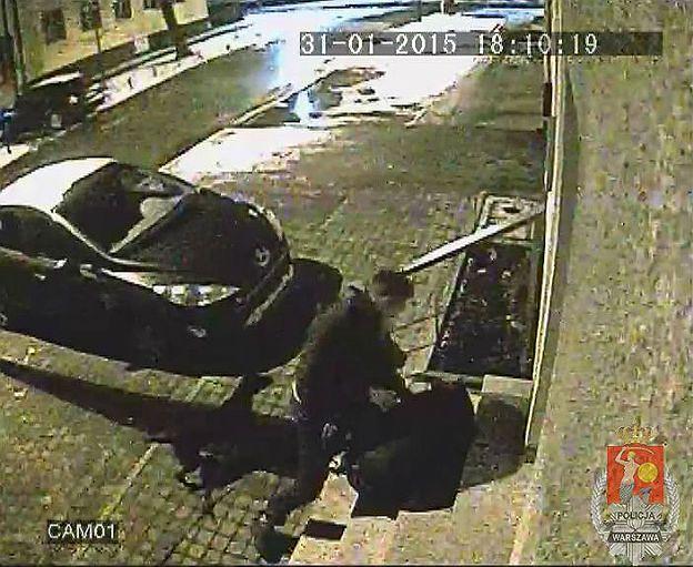 Brutalny napad na warszawskiej Pradze. Sprawca złapany, poszkodowany poszukiwany