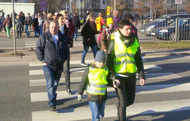 Potrącenie 7-latka skutkuje protestem mieszkańców Gocławia. MSWiA popiera ich inicjatywę