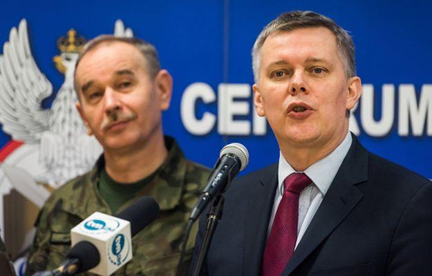Wicepremier i minister obrony narodowej Tomasz Siemoniak oraz szef Sztabu Generalnego WP generał Mieczysław Gocuł
