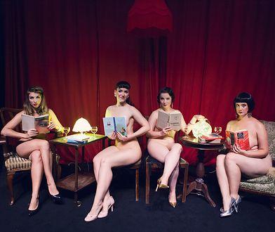 Naked Girls Reading, czyli Nagie Czytające Dziewczyny