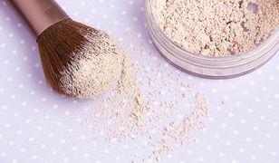 Puder matujący – kosmetyk idealny dla tłustej cery