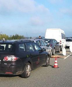 Karambol na S7 w Białobrzegach. Zderzenie 8 samochodów