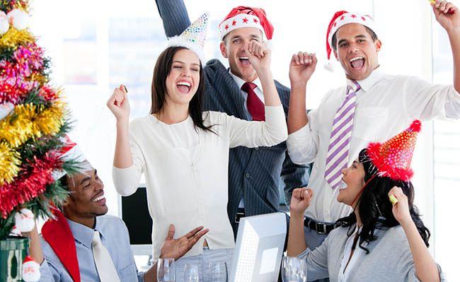 Jak docenić pracownika w okresie świąt?