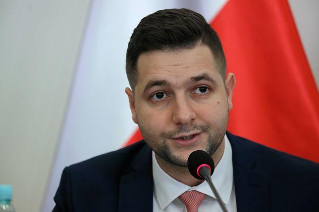 Uruchomienie strony skomentował wiceminister sprawiedliwości Patryk Jaki