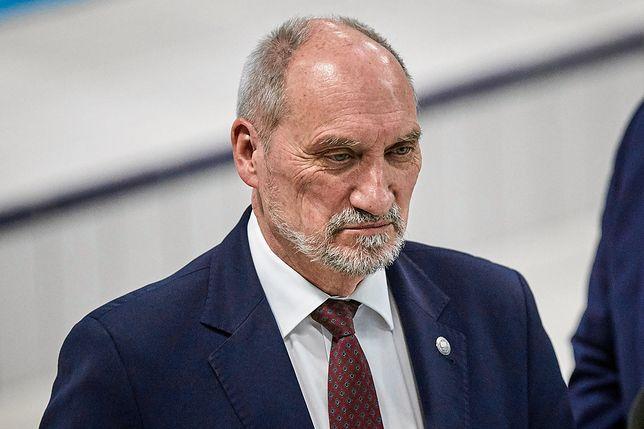 Według nieoficjalnych informacji Antoni Macierewicz pożegna się z funkcją szefa MON