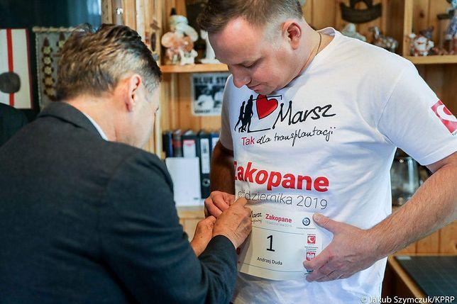 Prezydent Andrzej Duda przekazał na WOŚP koszulkę i zdjęcie