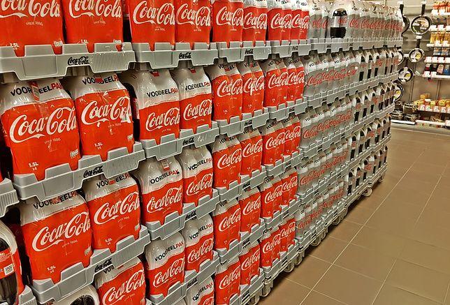 We francuskich sklepach brakuje Coca-Coli, a tam gdzie jest, ma różne etykiety.