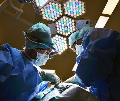 Śląsk. Lekarze z Katowic i Gliwic zrekonstruowali 17-latkowi stopę.