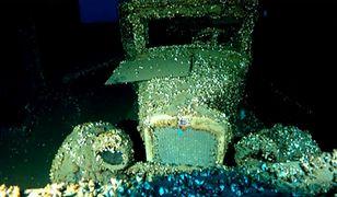 Niesamowite odkrycie w jeziorze Huron. Piękny samochód we wraku