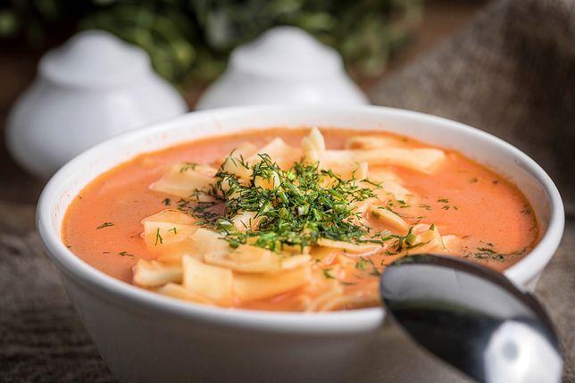 Inne oblicze pomidorowej. Niezwykłe zupy z pomidorem w roki głównej