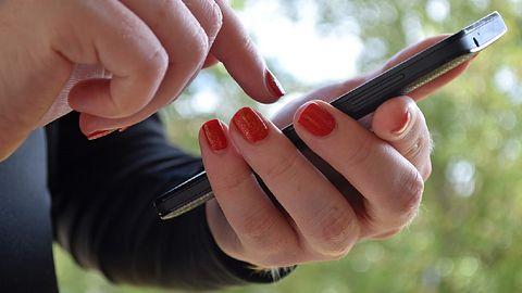 SMS o dopłacie do przesyłki? Policja ostrzega: uważaj, to może być oszustwo