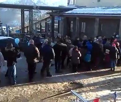 Turyści szturmem usiłowali dostać się do kolejki