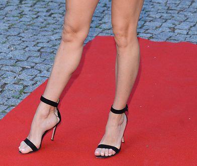 Fanką butów na wysokim obcasie jest m.in. Doda