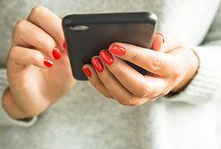 Nailboutin manicure. Intrygujący trend podbija Instagram. Jak go zrobić?