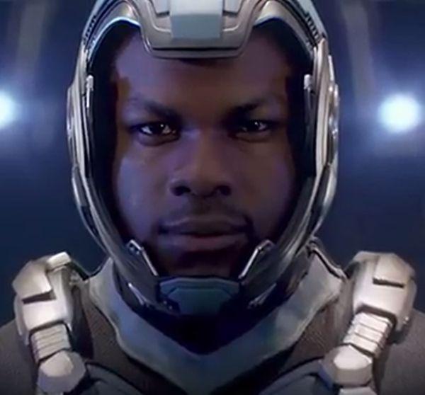 "John Boyega jako Jake Pentercost w ""Pacific Rim: Rebelia"""