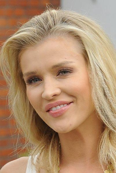 Krupa przyznała się do operacji piersi - WP Gwiazdy