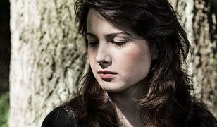 Samotność po śmierci partnera. Kobietom doskwiera bardziej