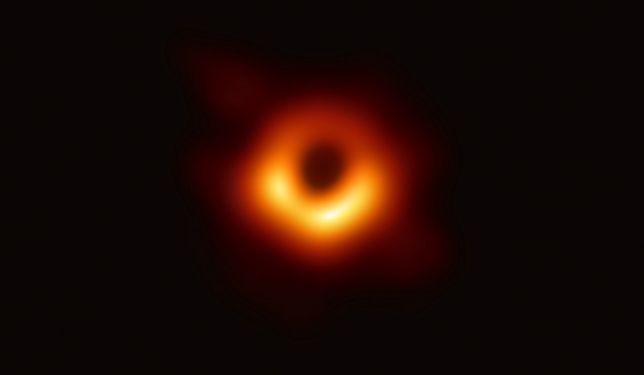 Zdjęcie czarnej dziury M87*