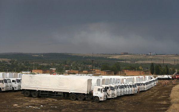 Rosyjski biały konwój ok. 30 km od granicy z Ukrainą