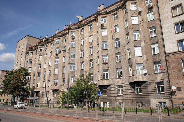 Kamienica przy ulicy Chmielnej 73b